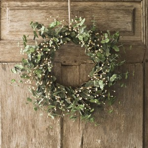A Simple yet Beautiful Eucalyptus Wreath...